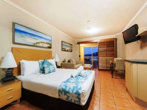 Hotel at Boathaven Spa Resort