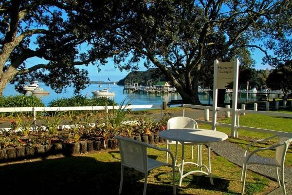 Hotel Hananui Lodge and Apartments
