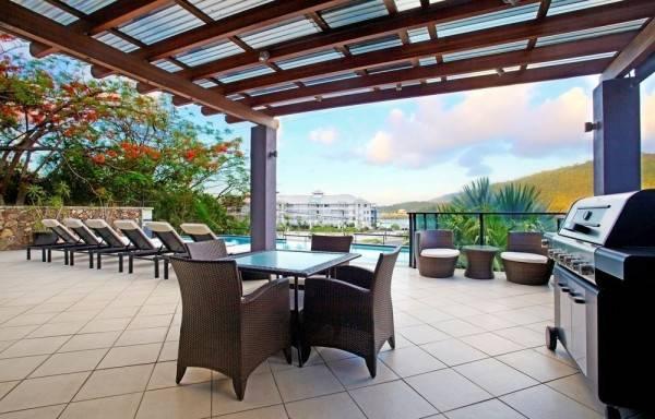 Hotel at Waterfront Whitsunday Retreat 18+