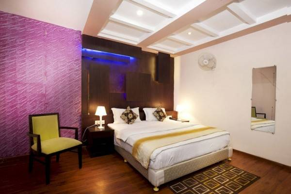 Hotel OYO Rooms MG Road Bangalore