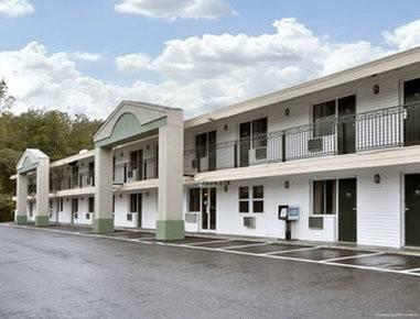Days Inn by Wyndham Lenox MA