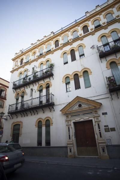Hotel Reservaloen Puerta Maestranza