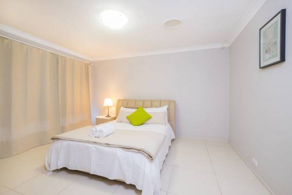 Hotel Getaway Holiday House Bankstown