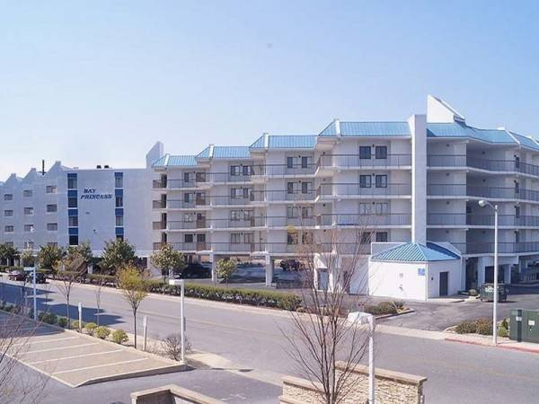 Hotel Bay Princess 211 2 Br condo by RedAwning