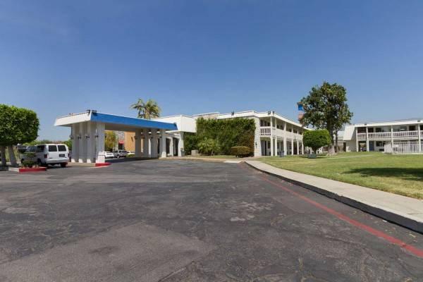 Motel 6 Claremont CA