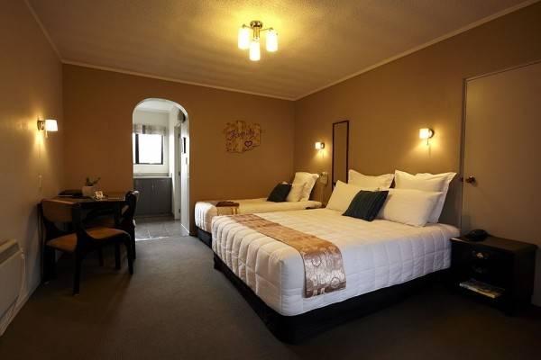 Kingswood Manor Motel