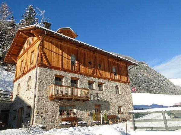 Chalet Val Di Rabbi - Hostel