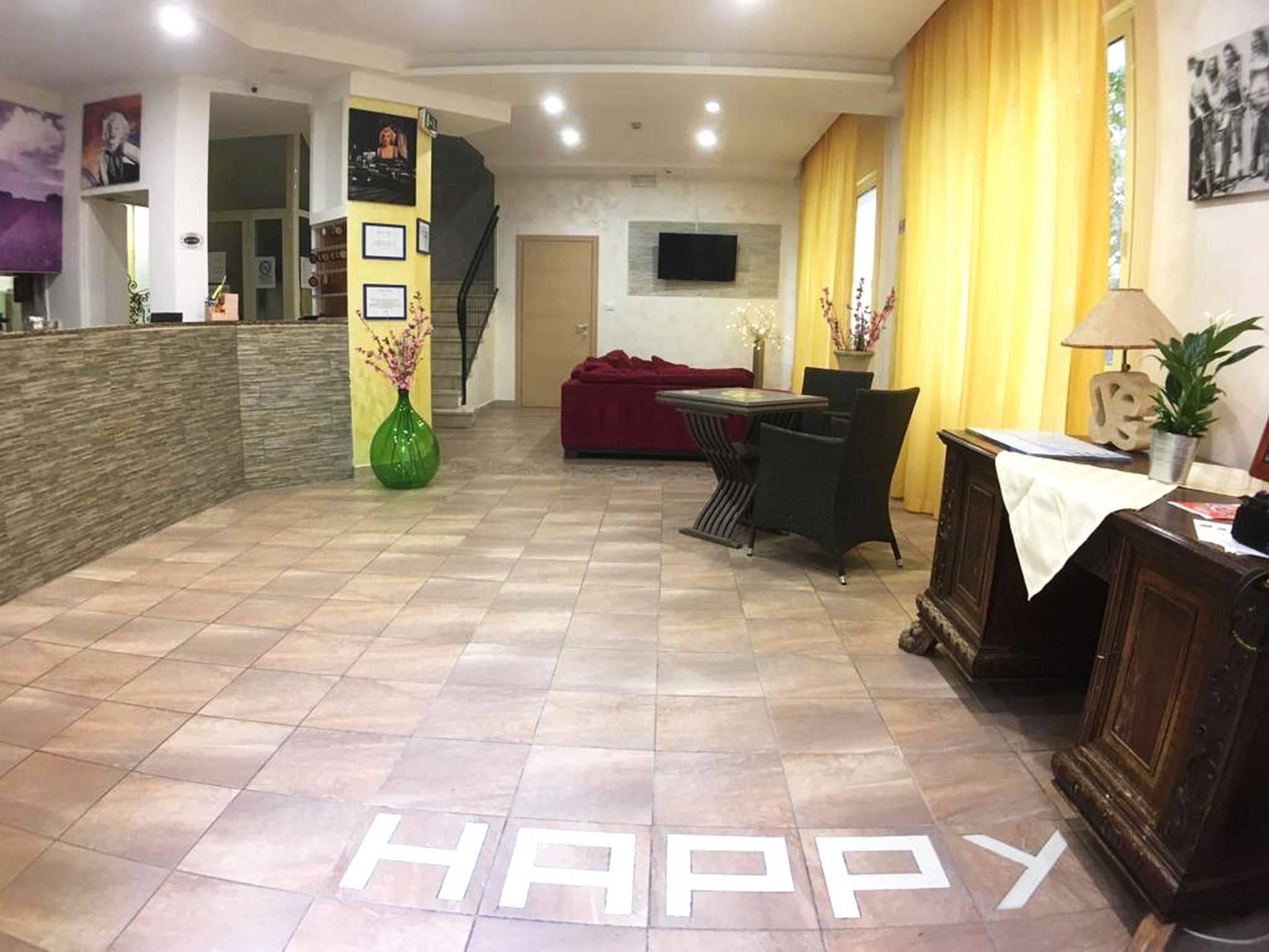 Hotel Happy Rimini Presso Hrs Con Servizi Gratuiti