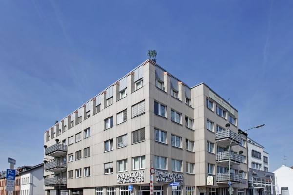 Hotel Paragon Apartments