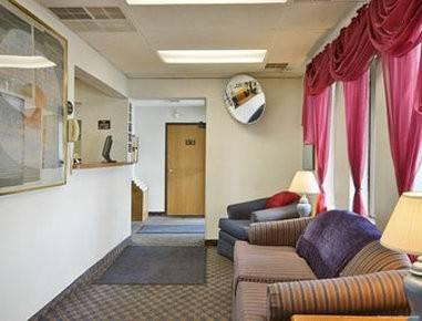 Hotel Super 8 by Wyndham Montgomery Maybrook