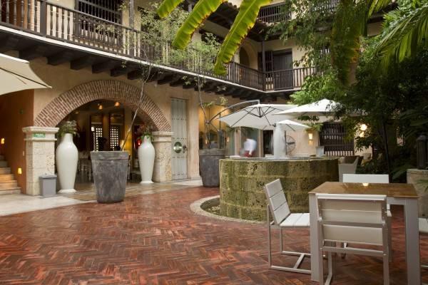 Hotel Armeria Real Luxury