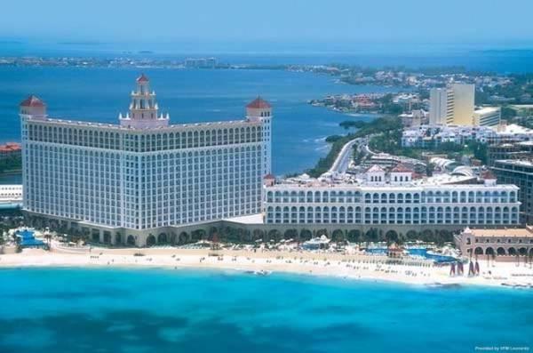 Riu Cancun All Inclusive Hotel