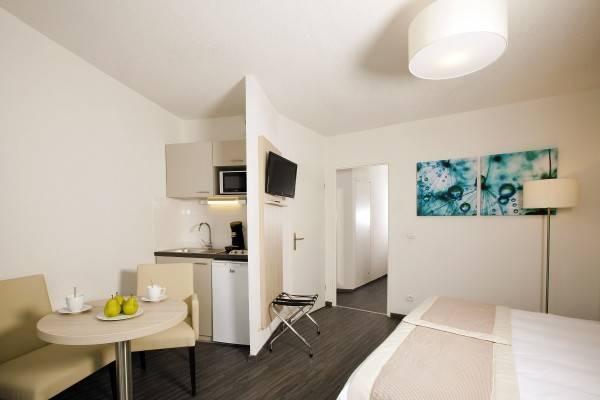 Hotel Residhome Nanterre La Defense Residence de Tourisme