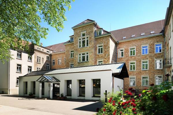 Hotel St. Bernhard Wohnen & Tagen