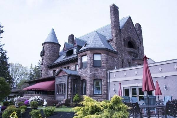 Hotel Belhurst Castle