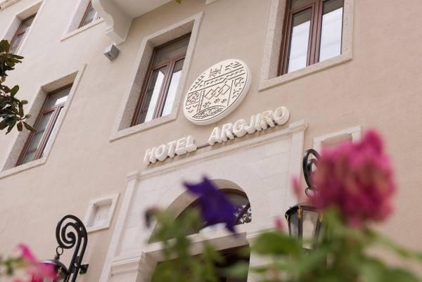 Hotel Argjiro