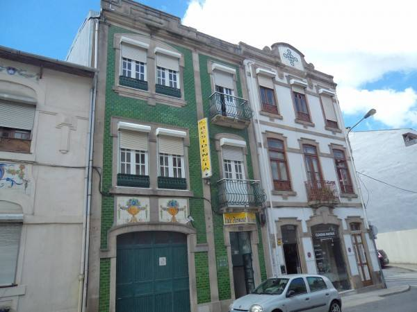 Hotel Residencia Vale Formoso B&B and Parking