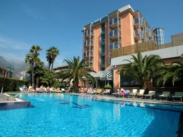 Lake Front Hotel Mirage