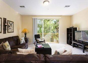 Hotel Home Sweet Home 3 Br townhouse by RedAwning