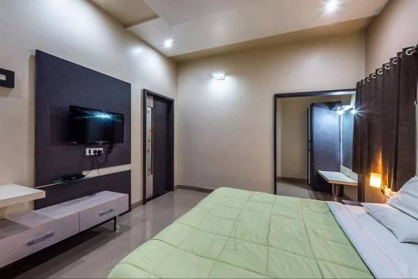 Hotel Pleasant Stay