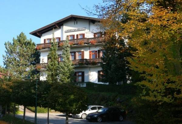 Hotel WALDFRIEDE bed & breakfast
