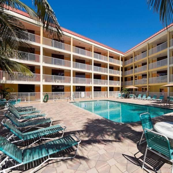 Hotel Pelican Pointe