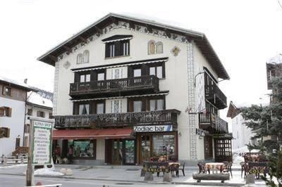 Hotel Zodiac House