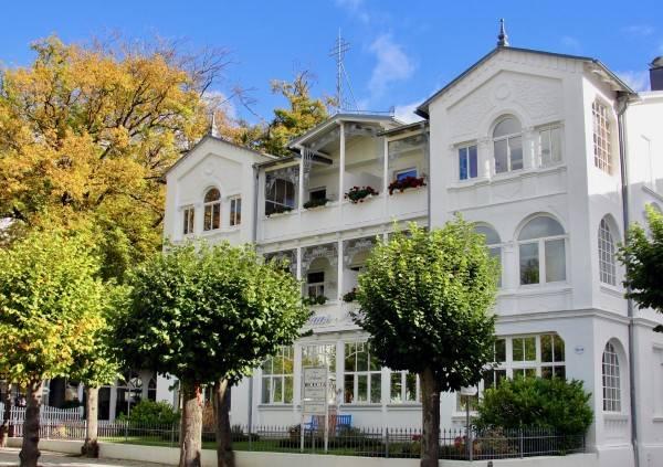 Hotel Haus Arkona Ferienwohnungen