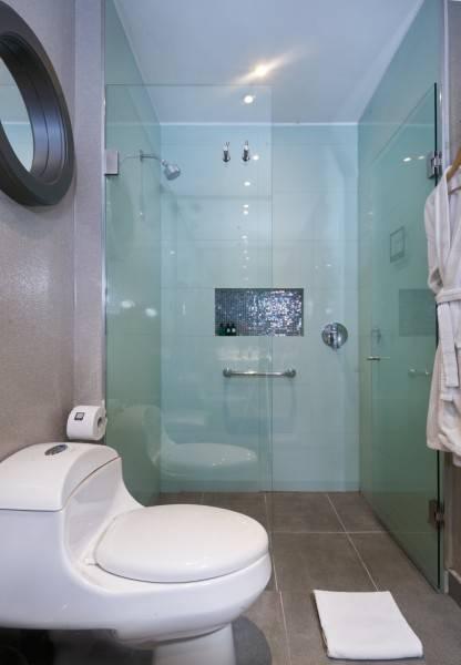 Hotel 100 Luxury Suites