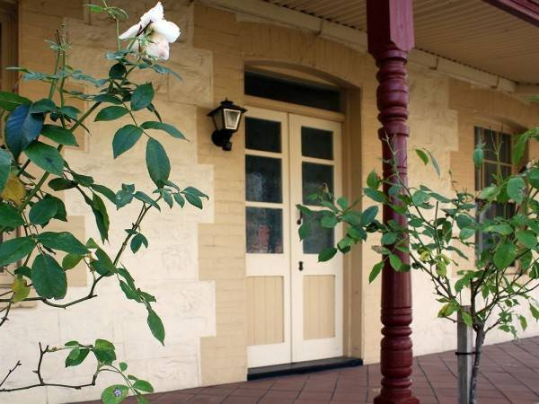 Hotel Greenock's Old Telegraph Station