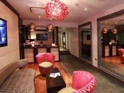 Hotel Maitrise Suites Apartment