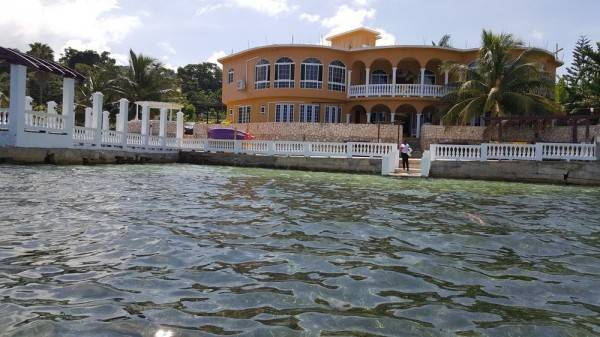 Hotel Waters Edge Guest House