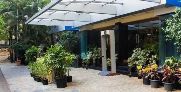 Hotel Park Central Comfort-E-Suites
