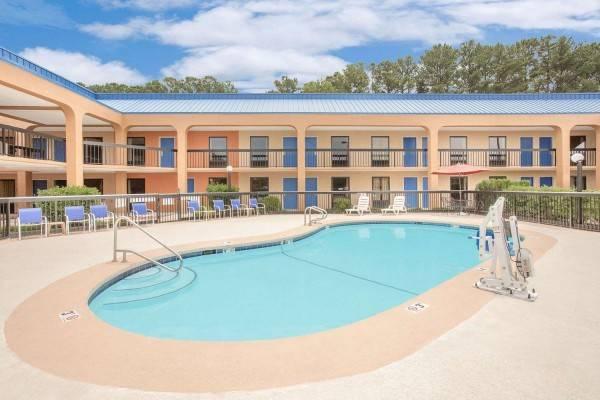 Hotel Baymont by Wyndham Greenville