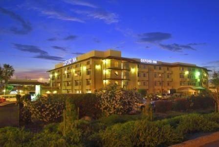 Hotel Oxford Suites Lancaster