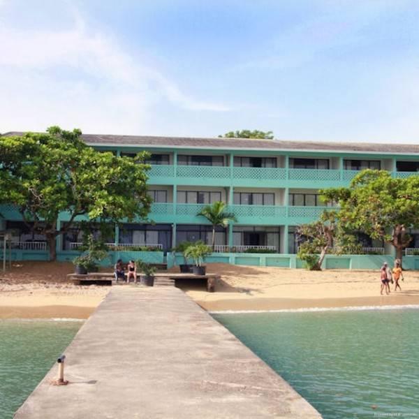 Hotel Crystal Ripple Beach Lodge