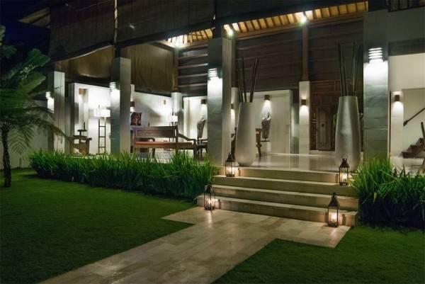 Hotel Nelayan Villa