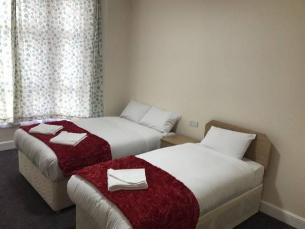 Hotel Woodlands Lodge Ilford
