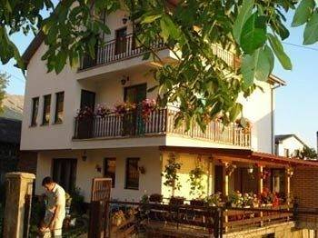 Hotel Risto's Guest House