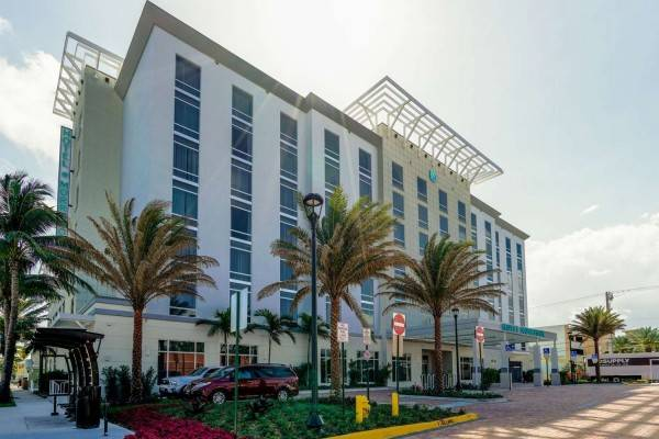 Tapestry Collection by Hilton Hotel Dello Ft Lauderdale Apt