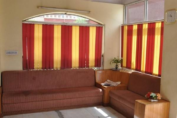 Hotel Sugandh Retreat