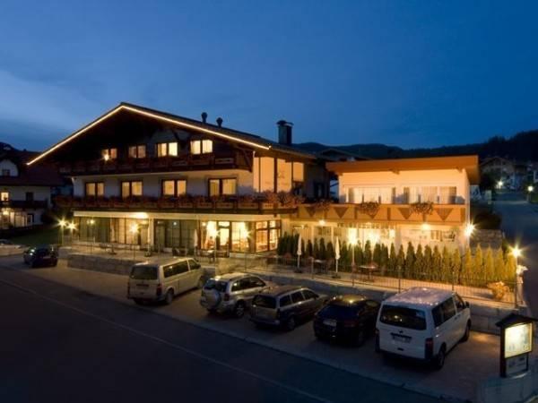 Garni RUSTIKA - Hotel Pension & Appartements