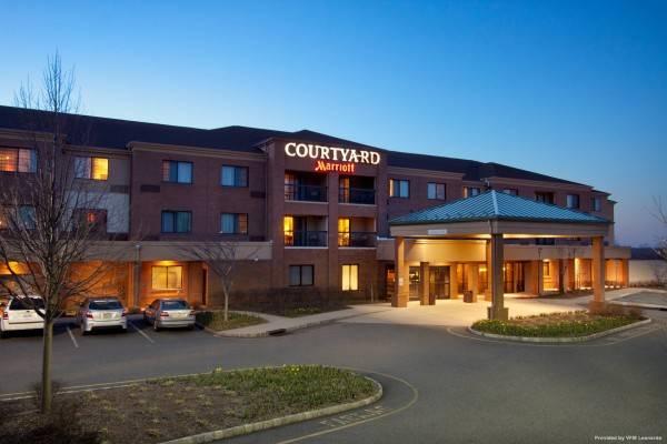 Hotel Courtyard West Orange