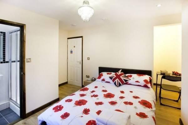 Hotel Victoria Centre Apartments & Annexe