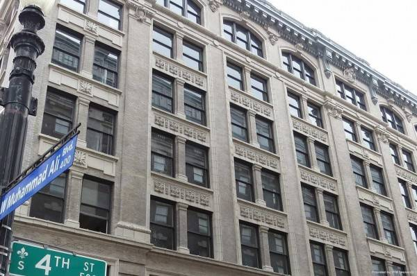 Hotel Embassy Louisville Downtown