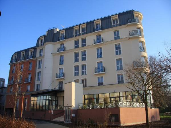 Hotel Residhome Neuilly Bords de Marne