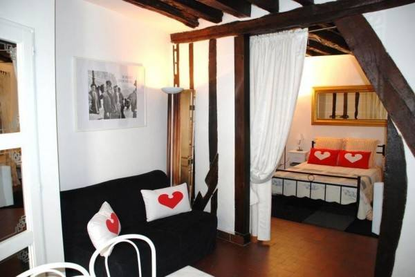 Hotel Vacation Rental Xavier Privas