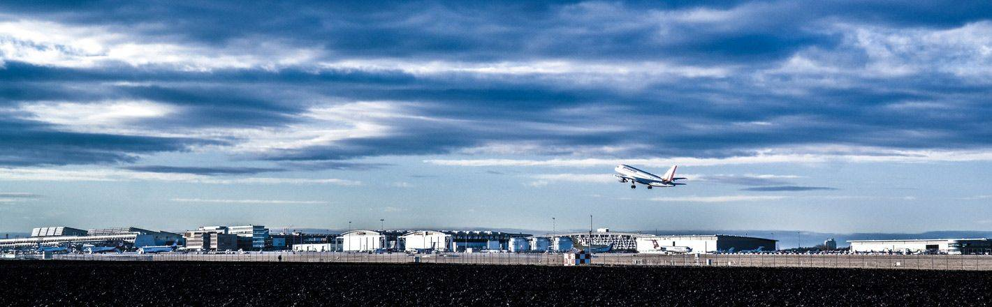 HRS Preisgarantie mit Geld-zurück-Versprechen: Günstige Hotels am Flughafen Stuttgart ✔ Geprüfte Hotelbewertungen ✔ Kostenlose Stornierung ✔ Mit Businesstarif 30% Rabatt