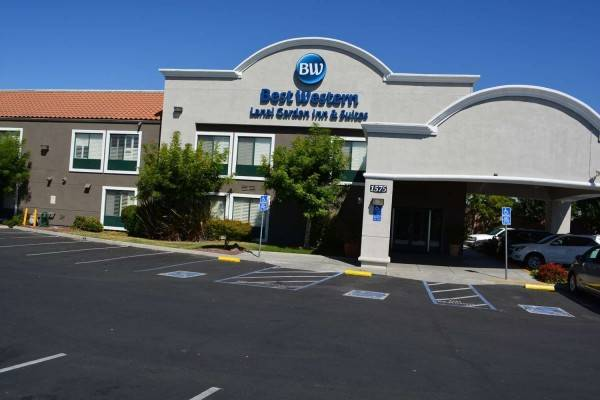 BWLANIA GARDEN INN AND SUITES