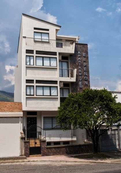 Hotel Aparta Suites El Peñon